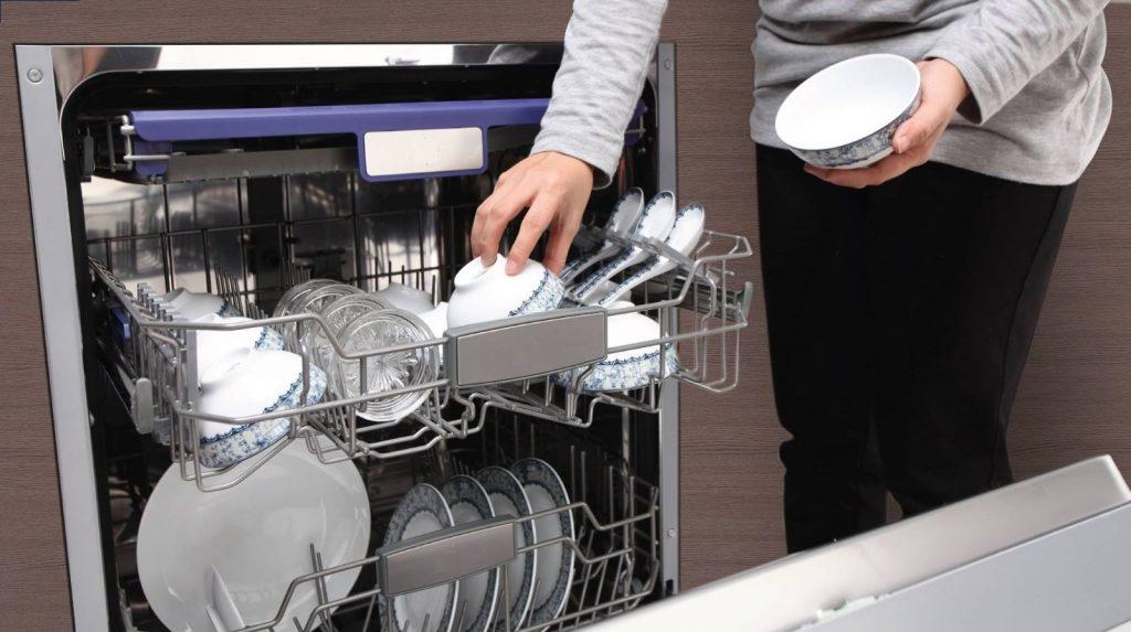 Máy rửa bát sấy khô bát đĩa bằng hơi nước hoặc nhiệt độ