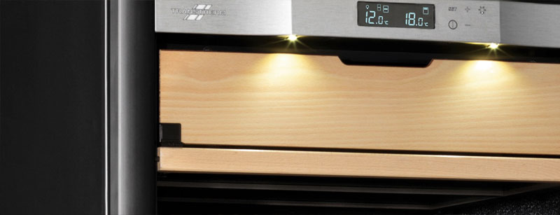 Bảng điều khiển có màn hình LED hiển thị